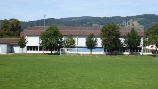Dorfhalle mit 3-fach Sporthalle