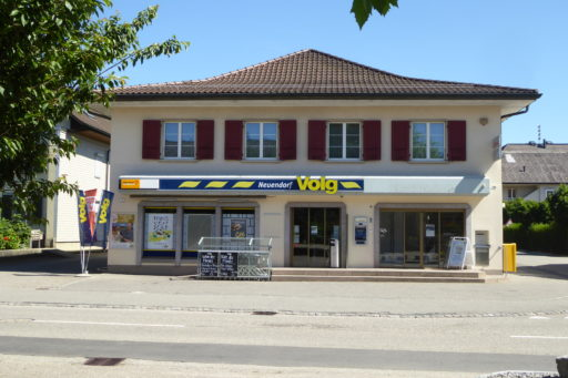 Dorfstrasse 70 Nord - Volg mit Postagentur & Raiffeisen-Bancomat