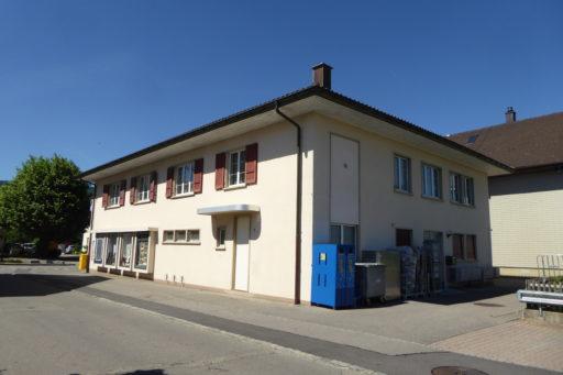 Dorfstrasse 70 Südwest - Volg mit Postagentur & Raiffeisen-Bancomat